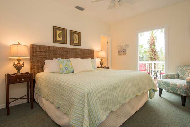 Carriage House Suite 5